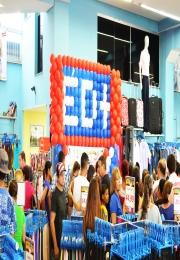 Lojas ÉD+ realizaram inauguração do 2º piso com a presença do cantor Giovani
