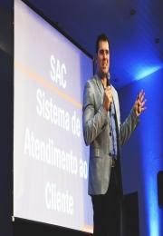 Seminário com Cláudio Luvizzotti trouxe temas voltados à competitividade das empresas em época de desafios