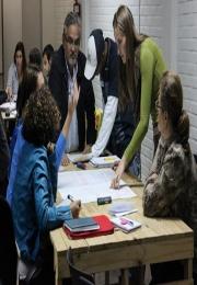Jovens empreendedores fazem ações para melhorar a vida de comunidades