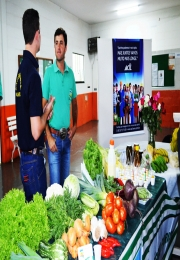 APRUL participa da área de exposição da 2ª Semana de Ciências Agrárias na Anhanguera Educacional de Leme.