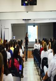 MÊS DO EMPREENDEDOR - Acil realiza workshop sobre colocação no mercado de trabalho para os alunos da ETEC Leme