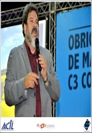 Mário Sérgio Cortella se apresenta para mais de 1.100 pessoas e propõe reflexões sobre comportamento, ética e propósito